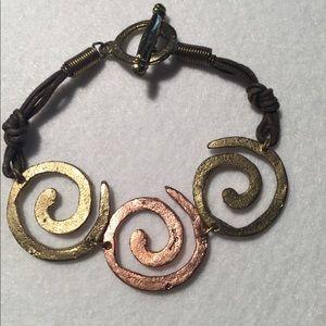 Jewelry - Swirl bracelet